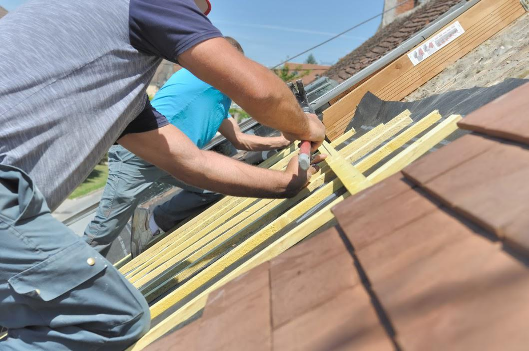Repairing a roof - Roofing professional in BEL AIR, ABINGDON, MARYLAND & ABERDEEN, MARYLAND